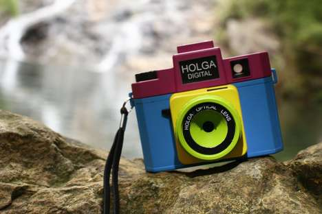 Digitzed Retro Cameras - The Holga Digital Takes Film-Style Photos and Uploads them to an SD Card