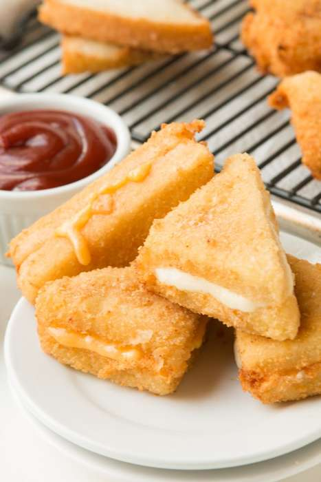 Deep-Fried Cheese Sandwiches - These Super Tasty 'Cheese Frenchees' are a Nebraskan Specialty