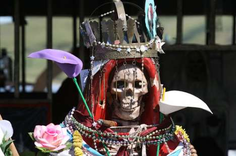 Glamor Skeleton Celebrations