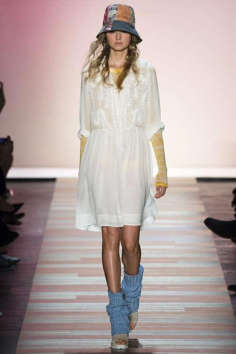 Coastal Bohemian Fashion - The BCBGMAXAZRIA SS Collection Brings Californian Style to NYFW