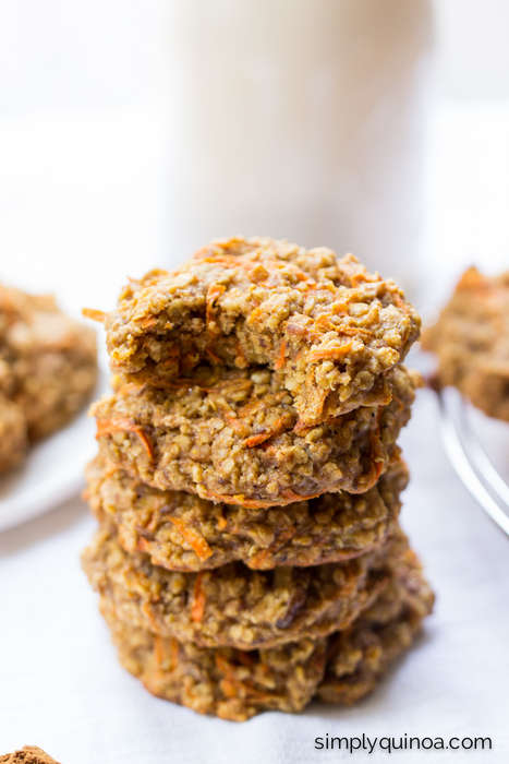 Superfood Cake Cookies - These Carrot Cake Breakfast Cookies are Made with a Quinoa Base