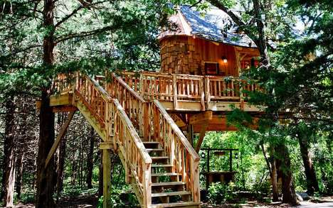 Adult-Oriented Treehouses - This Luxury Treehouse Features Both a Whiskey and Martini Bar