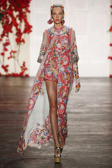 Retro French Couture - The Naeem Khan S/S Collection Promotes 1970s French Style