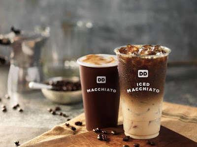 Iced Pumpkin Coffees - Dunkin' Donuts is Offering a Pumpkin Macchiato Drink in Celebration of Fall