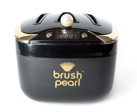 Cosmetic Brush Cleaners - The Brush Pearl Cleaner is a Tiny Dishwasher for Your Brushes