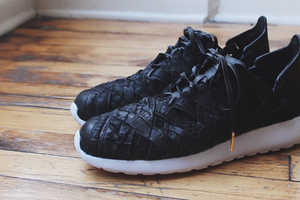 These Latticework Shoes Weave Suede Crocodile Leather Together
