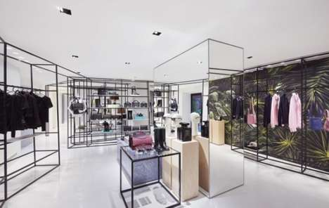 Lavish Pop-Up Boutiques - Chanel Opens a New Temporary Store in Rome