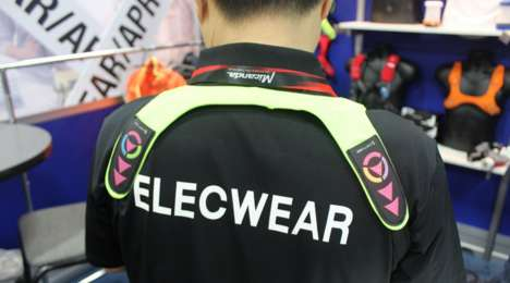 Convenient Cycling Vests - The Elecwear Cycling Vest Allows For Hands-Free Signaling