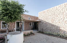 Farmhouse Art Galleries - This Old Farmhouse Has a Traditional Stone Wall Exterior