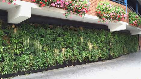 Eco-Friendly Vertical Gardens - The Rain Garden Doesn't Use Any Electric Power
