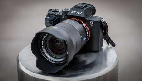 High-Performance Cameras - The Sony A7R II Brings a Higher Resolution and Other Desirable Features