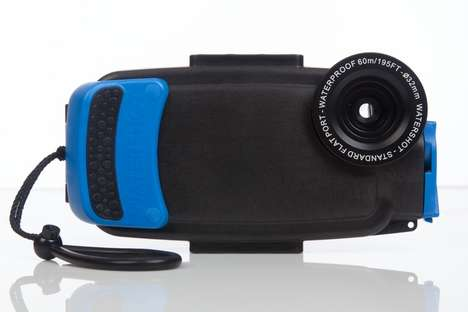 Underwater Smartphone Cases - The Watershot PRO Transforms Your Phone into a Waterproof Camera