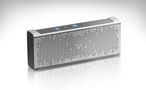 Inexpensive Aluminum Speakers - The Inateck MercuryBox Operates Up to 15 Hours on a Single Charge