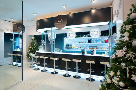 Rejuvenating Holiday Pop-Ups - This RBC Avion Shop Rewards Customers for the Holidays