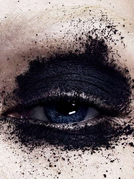 Artful Eyeshadow Editorials - Sasha Luss Fronts Vogue Japan's Dramatic Beauty Editorial