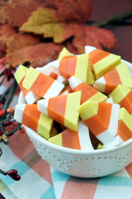 Paleo Corn Gummies - These Festive Homemade Candy Corn Sweets are Also Dairy-Free