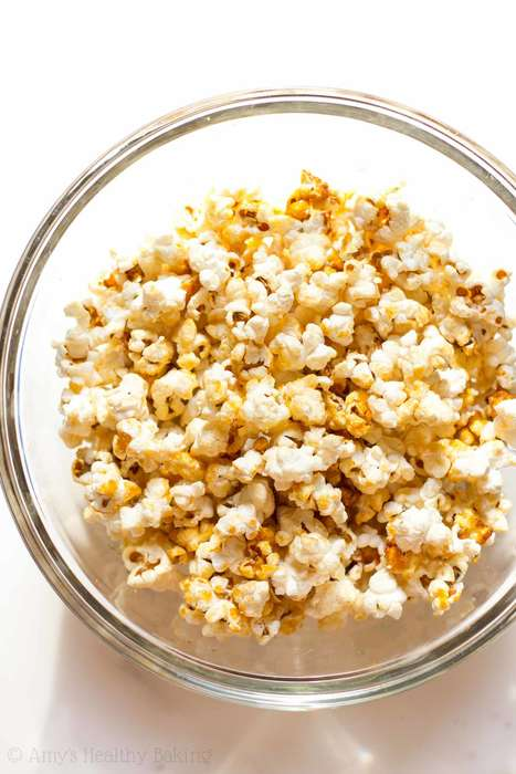 Healthy Kettle Popcorn - This Wholesome Caramel Popcorn Snack Features a Calorie-Free Sweetner