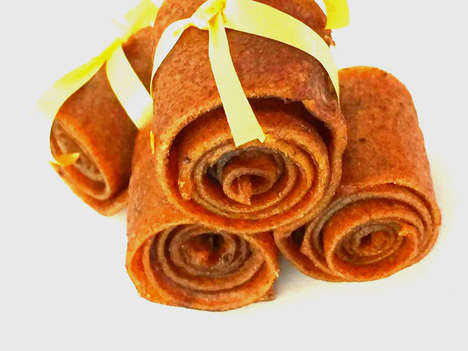 Spiced Pumpkin Fruit Leathers - This Homemade Dried Fruit Treat is a Refreshing Use of Pumpkin Spice