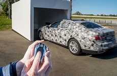 Remote-Powered Parking Functions - The BMW Series 7 Parking Feature is Accessible With a Display Key