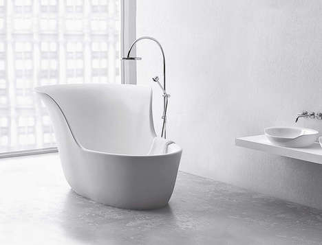 Hybrid Bathtub Designs - This Apartment-Size Tub Also Doubles as a Shower
