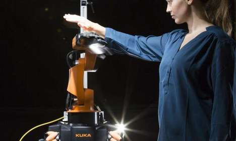 Responsive Robot Arms - This Robotic Tool Respects People and Objects in Its Surroundings