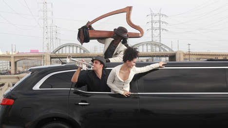 Moving Limousine Operas - This Experimental Opera Performance Drives Audience Members Around Town