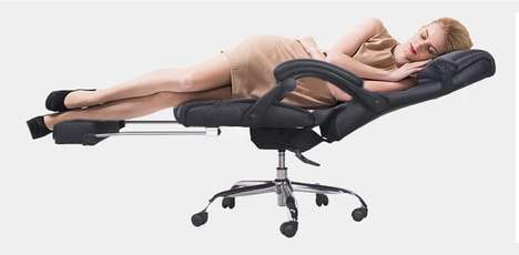 Ultra Reclining Desk Chairs - The Merax Manager's Chair Leans Back Enough to Create a Bed