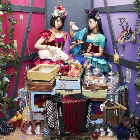 Whimiscal Japanese Pop Duos - Charan-Po-Rantan Offers Unique Theatrical Music and Performances