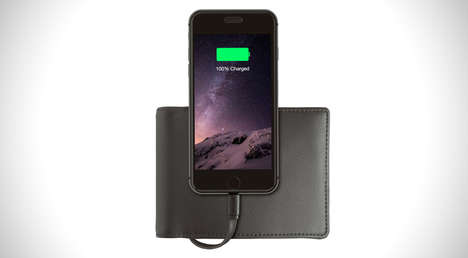 Battery Pack Billfolds - The Nomad Wallet Features an Embedded Battery for Charging iPhones