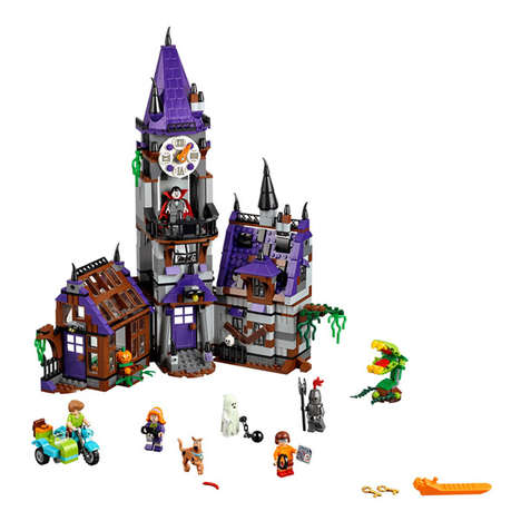 Mystery LEGO Mansions - This Scooby Doo Mystery Mansion is Replicated Using Building Blocks
