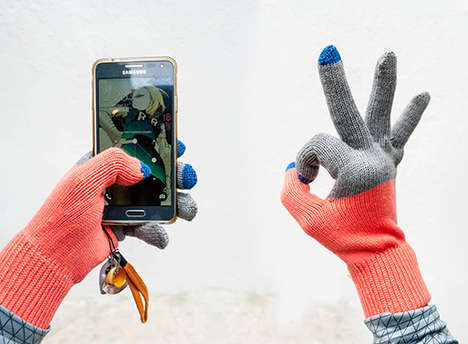 Woolen Touch Screen Gloves - These Colorful Knitted Gloves Don't Impede Winter Smartphone Use