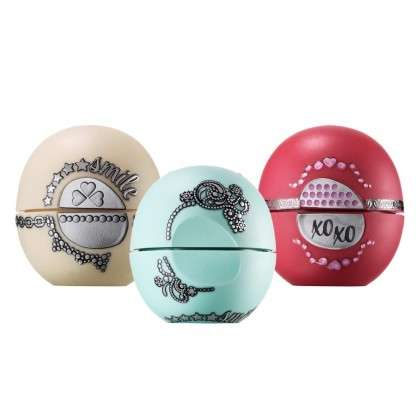 Customizable Lip Balm Pods - The eos Holiday 2015 Collection Comes with Decorative Appliques