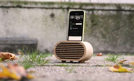 Retro Wooden Amplifiers - This Portable Amplifier for Smartphones Resembles a Vintage Radio Speaker
