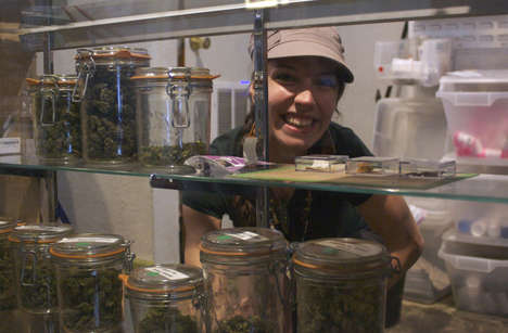 Educational Cannabis Sommeliers - The Mile High Dispensary in Denver Has an Expert 'Budtender'