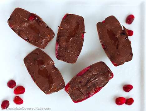 Healthy Superfood Chocolate Bonbons - These Chocolate Bites Contain Fresh Pomegranate Antioxidant