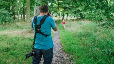 Multiple-Camera Straps - The Custom SLR Dual Camera Strep Lets You Comfortably Carry Two Cameras