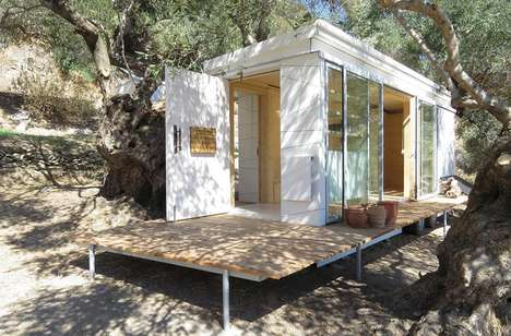 Small-Space Yoga Homes - This Small Home on Wheels was Designed for a Yoga Instructor