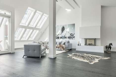 Gallery-Style Penthouse Apartments - This Spacious Penthouse Features a Minimalist Interior