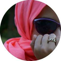 Modest Fashion Bloggers - The 'Haute Muslimah' Provides Fashion Advice for Modest Women