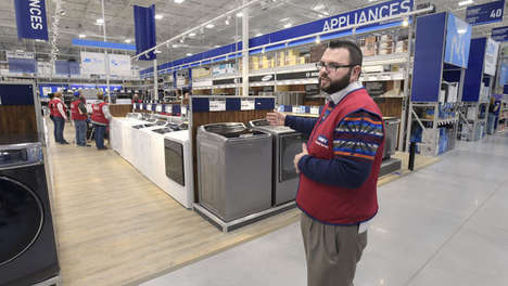 Space-Saving Hardware Shops - This Lowe's Home Improvement Shop Location Strategically Uses Space
