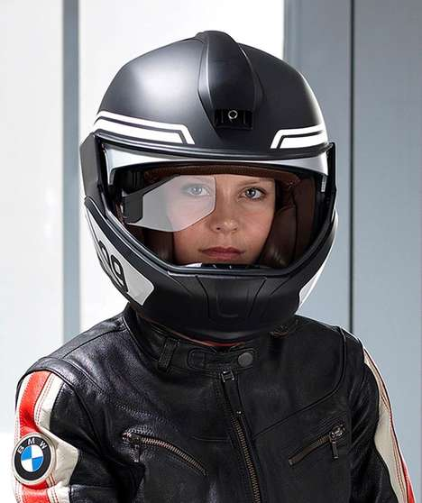Intuitive Motorcycle Helmets - The BMW Motorrad Head-Up Display Wows Riders at CES 2016