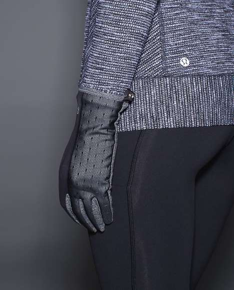 Reflective Running Gloves - Lululemon's Frosty Run Gloves Boost Visibility at Night