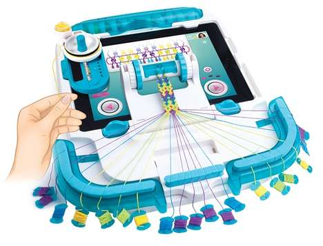 Tablet Loom Toys - Wooky Entertainment's 'iLoom' Uses Tablet Technology for Bracelet-Making