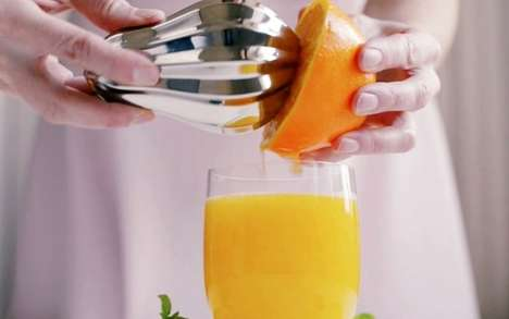 Modern Handheld Juicers - The Magisso Bulb Citrus Reamer is a Hand Juicer with an Innovative Design