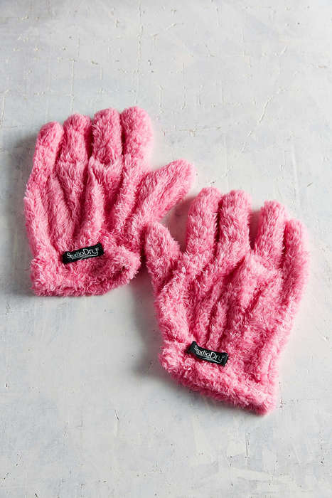 Hair-Drying Gloves - These Studio Dry Gloves Absorb Moisture from Wet Hair