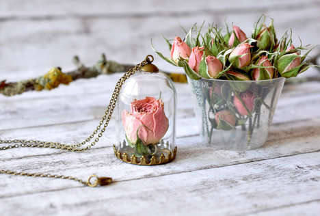 Flower-Preserving Necklaces - Paula Schiau Creates Jewelry Collection that Celebrates Blooms