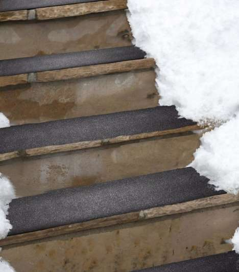 Winter Stair Accessories - The New HeatTrak Outdoor Stairs Mats Offer Grip and Heat Features