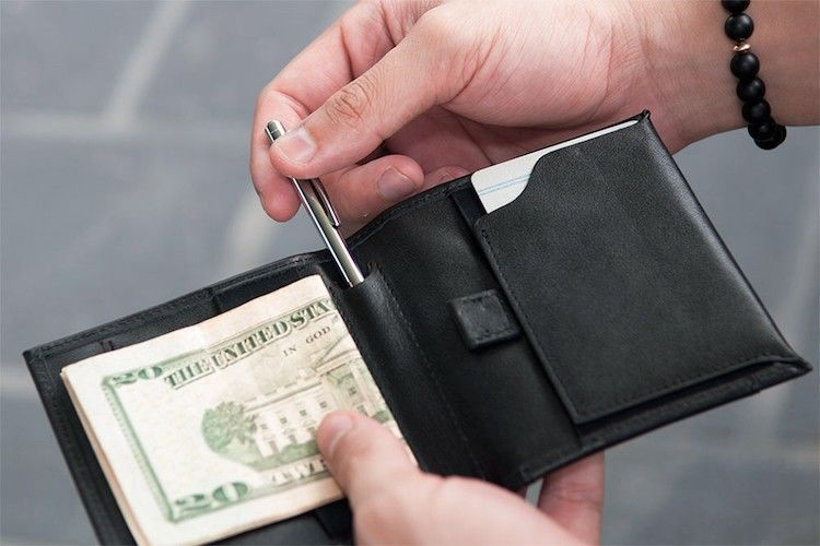 Efficient Masculine Wallets