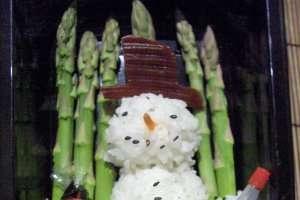 Seasoned Seasons Greetings Depict Rice as Snow