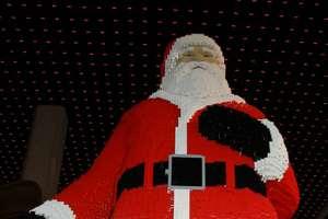 Santa Claus Immortalized in Plastic Bricks